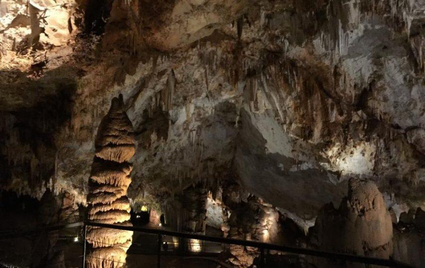 Así es la Cueva de Pozalagua (Vizcaya)