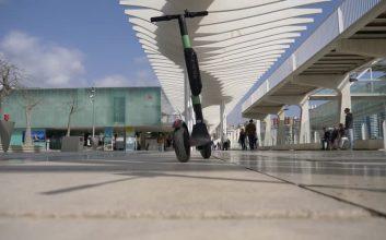 ¿Puedes viajar en avión con tu patinete eléctrico?