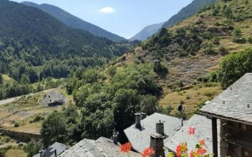 El Alt Urgell amplía la red señalizada de senderos de Camina Pirineus