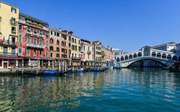 Ryanair volará a Venecia desde Madrid, Menorca y Santander